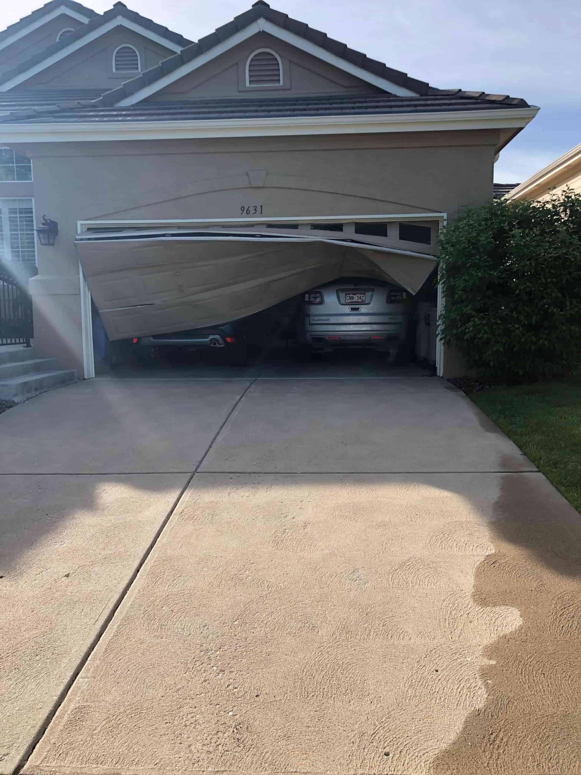 broken-garage-door-repair-aurora-co
