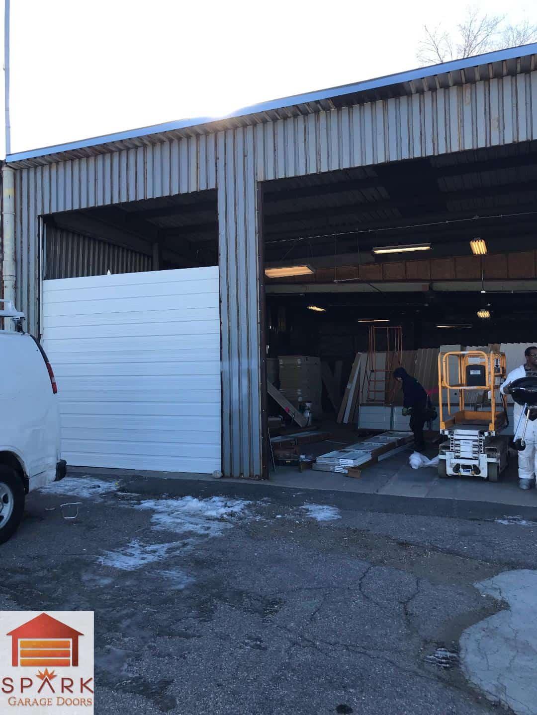 installing-commercial-garage-door-in-denve