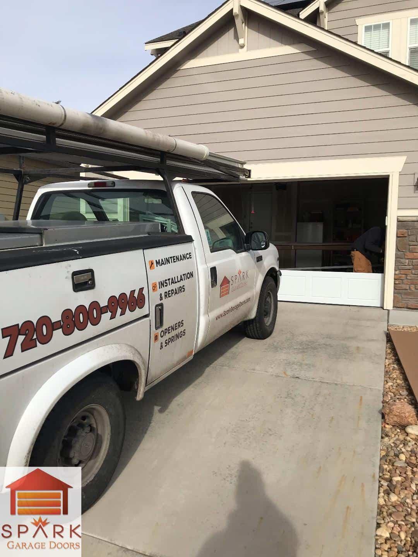 installing-commercial-garage-door-in-denver