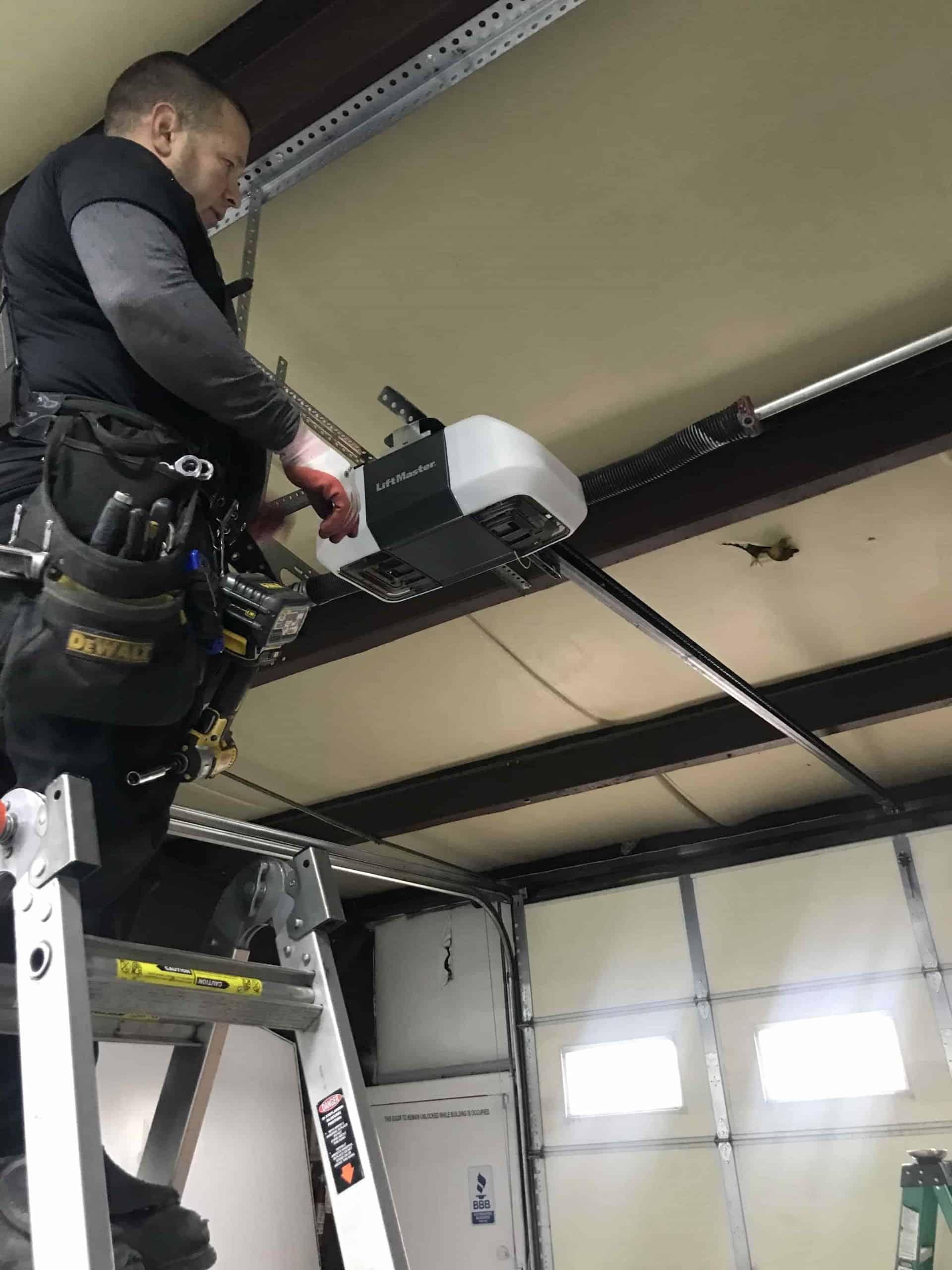 opener-and-garage-door-installation-denver